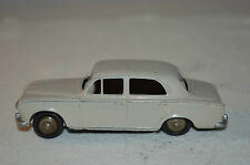 Dinky Toys 24B 24 B Peugeot 403 in very good repainted condition