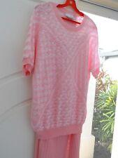 Ladies top skirt knit ensemble Size M 14 16 pink & white knit bat wing sl AS NEW