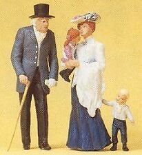 PREISER G SCALE OLD MAN, WOMAN, AND CHILDREN | 45066