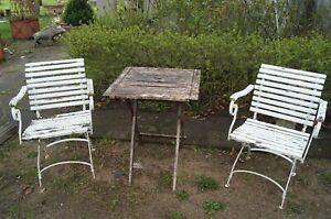 Paar weisse Biergarten Stühle mit Armlehne um 1920 Klassiker
