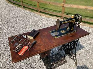 1905 Antique 15K Bobbin Singer Sewing Machine and Table Serial Number J962248