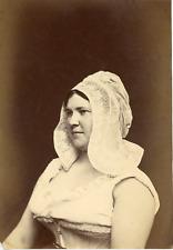 France, la batteuse de beurre, costume tradition, costume d'époque  Vintage
