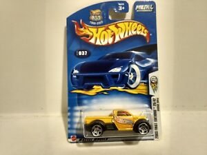 Hot Wheels 2003 First Editions Dodge M80 #037 Mattel 1:64 Scale Diecast mb702