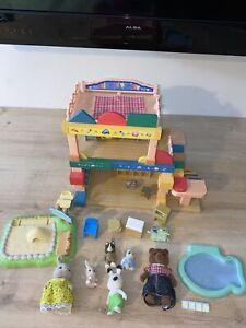 sylvanian families primrose nursery And 6 Figures Bundle Great Fun Family Gift