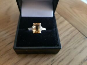 GOLD NATURAL CITRINE EMERALD CUT & DIAMOND RING SIZE N