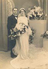 Photo mariage vintage robe mariée costume fleurs wedding lunettes voile