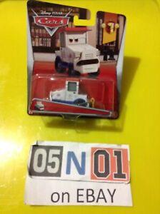 DISNEY PIXAR CARS YE LEFT TURN INN - M . FENDERICKSON New (FB01)