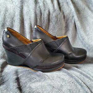 MOZO- Divine Wedge Shoes Womens-9.5, black