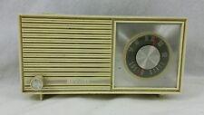 1968 Realtone AM Radio 3109-2 Solid State 6 Transistor