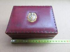 vecchia scatola portagioie porta sigarette pelle con stemma araldico scudo elmo