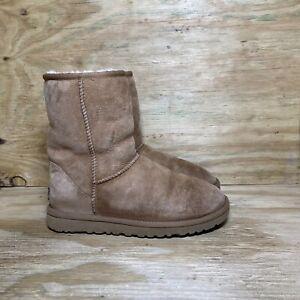 UGG Women's Classic Short Boots Size 6 Brown 5825 Sheepskin Lining Comfort