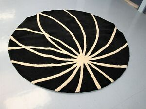 6' Round Surya Brand Wool Area Rug, Black & Cream Color, No.FM-7072, Pre-Owned
