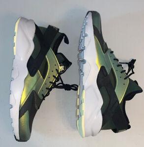 Size 13 - Nike Air Huarache Run Ultra SE Sequoia Green  2017  875841-302