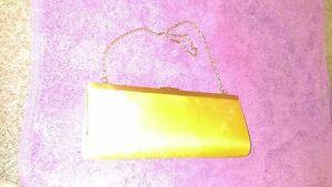 Gorgeous Vintage Designer Rayon Olga Berg Gold Clutch Purse w/- Gilt Link Strap