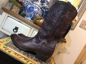 Vintage Lucchese Brown leather Handmade Leather Sz  9.5 D Cowboy Rodeo Boots