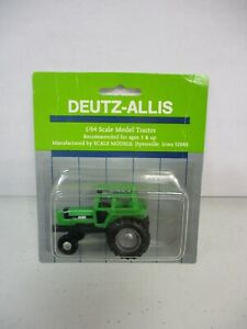 Scale Models Deutz-Allis Tractor 1/64 Lot 1