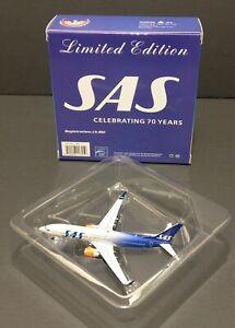 BOEING PHOENIX 737-800 SAS 70TH PLATINUM SERIES 1:400 SCALE LIMITED EDITION