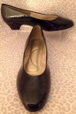 Women's Soft Style 11EW Heels