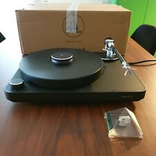 CLEARAUDIO CONCEPT BLACK MM V2 Turntable +CONCEPT record clamp