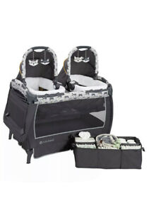 Baby Twin Trend Unisex Portable Deluxe Infant Nursery Center, Goodnight Forest