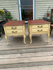 Mid Century Pair of Cherry French Provincial End Tables / Side Tables (T34)