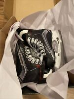 Bauer Vapor X500 Youth Ice Hockey Ice Skates 10 D WORN ONE TIME. US SHOE SIZE 11
