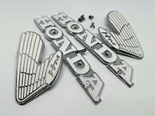 SET HONDA CB 100 Super Sports CB100 K2 Petrol Gas Fuel Tank Emblem Badge + Screw