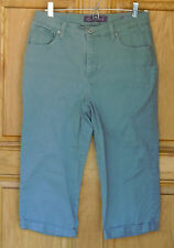 Gloria Vanderbilt Ladies Size 6 Amanda Green Capri Jeans