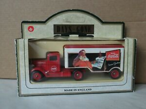 Lledo SL67004, Ford 3 ton Articulated Truck, Drink Coca Cola Seasons Greetings
