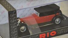 Rio 4432 - Bugatti 41 Royale Torpedo rouge / noir  version toit fermé 1927 1/43