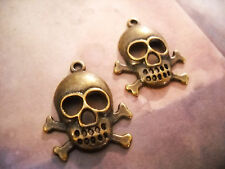 10 Skull Pendants Charms Antiqued Bronze Halloween Charms Pirate Charms