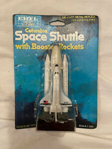 Ertl Diecast Columbia Space Shuttle with Booster Rockets Scale 1/500 MOC