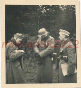 Foto, Funkstaffel der Inf., Tr.Üb.Pl. Großborn, Bl. auf 3 Offz., 1939, 5026-586