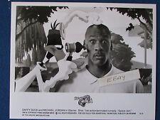 "Original Press Promo Photo - 10""x8"" - Space Jam-1996-Michael Jordan & Daffy Duck"