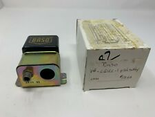 Baso L61LL-1 SPDT Auto Reset Pilot Safety Switch. (NEW OLD STOCK)