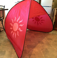 Rare Limited Edition McWilliams Sunstone Large Pop Up Beach Tent & Sarongs