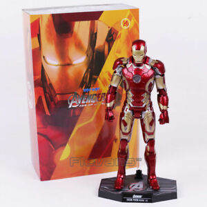 Hot Toys Iron Man Mark XLII MK43 with LED Light 1/6th Scale Ironman