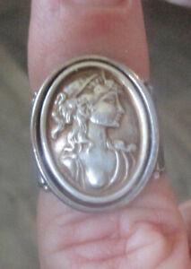 Vintage Rare Unique Signed Italian Ring