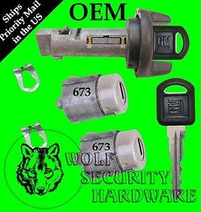 Chevy GMC Isuzu Olds 95-97 Ignition Switch Cylinder & Door Lock Set 2 OEM GM Key