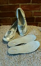 PRIVO BY CLARKS WOMENS 8M WHITE MESH WITH SILVER METALLIC TRIM 1660