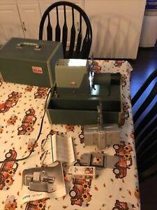 Vintage Argus 300 Auto Slide Projector w/ Auto Slide Changer, Case, Manual