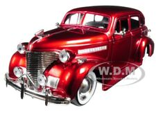 "1939 CHEVROLET MASTER DELUXE RED ""SHOWROOM FLOOR"" 1/24 DIECAST MODEL JADA 98881"