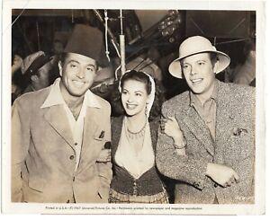 Dick Haynes + YVONNE DE CARLO + TONY MARTIN PORTRAIT UNIVERSAL 1947 PHOTO 397
