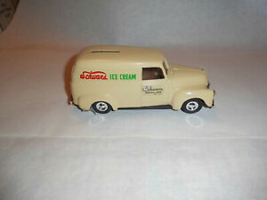 "ERTL #9203 ""Schwans Ice Cream #3""1950 Panel Truck Bank 1/25 Scale MIB"