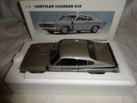 1:18 AUTOart 71506 Chrysler Charger silber E49