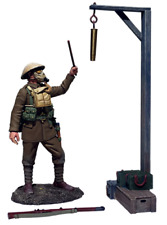 Britains 23115 Gas Alarm British Soldier Sounding Alarm 1917-18 3 Pce Set