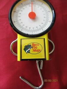 """Bass Pro brand Fish Scale, measures to 50 lbs and 38"""", Model FS-450-Y"""
