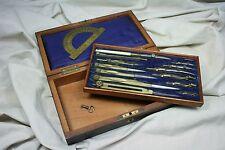 Caja de compases de doble piso. S.XIX. Compas box double floor. S.XIX.