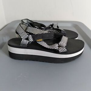 Teva Universal Women's Size 8 Shoes Black/White Walking Comfort Platform Sandals