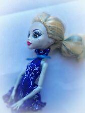 Poupée très mignonne Monster High Lagoona Blue  robe bleue